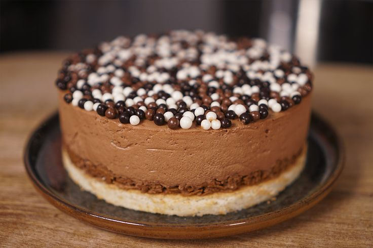 Voici ma recette du gâteau royal chocolatpas compliquée, je l'ai simplifi…
