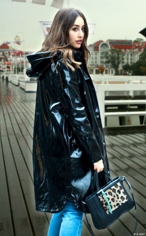 Pin von Sussie Quattro auf black raincoat   Raincoat, Pvc raincoat und  Raincoats for women 667122bb3b