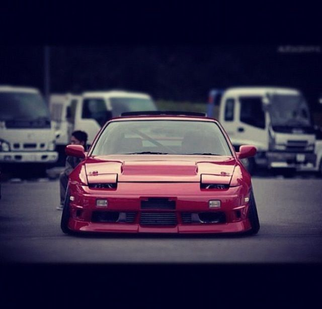Lowered Rps13 nissan 180 sx type x hood vents