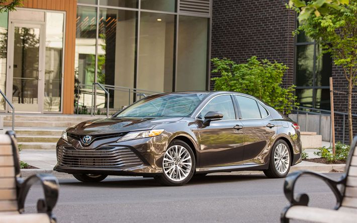Download wallpapers Toyota Camry, 2018, XLE Hybrid, 4k, business class, Japanese cars, new gray Camry, Toyota