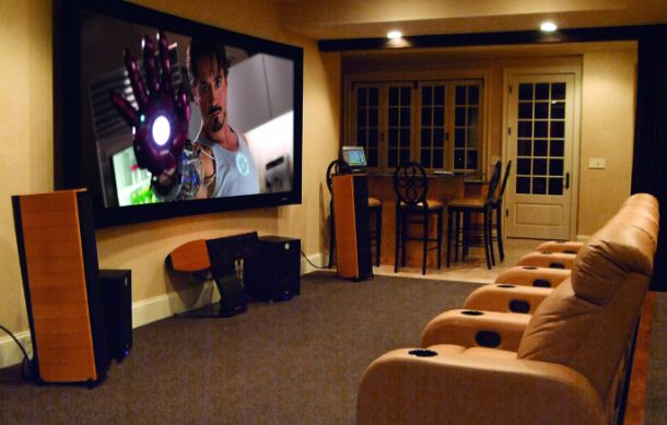 Projectors Vs Tvs Giant Screen Pros And Cons Home Theater Setup Home Theater Rooms Best Home Theater