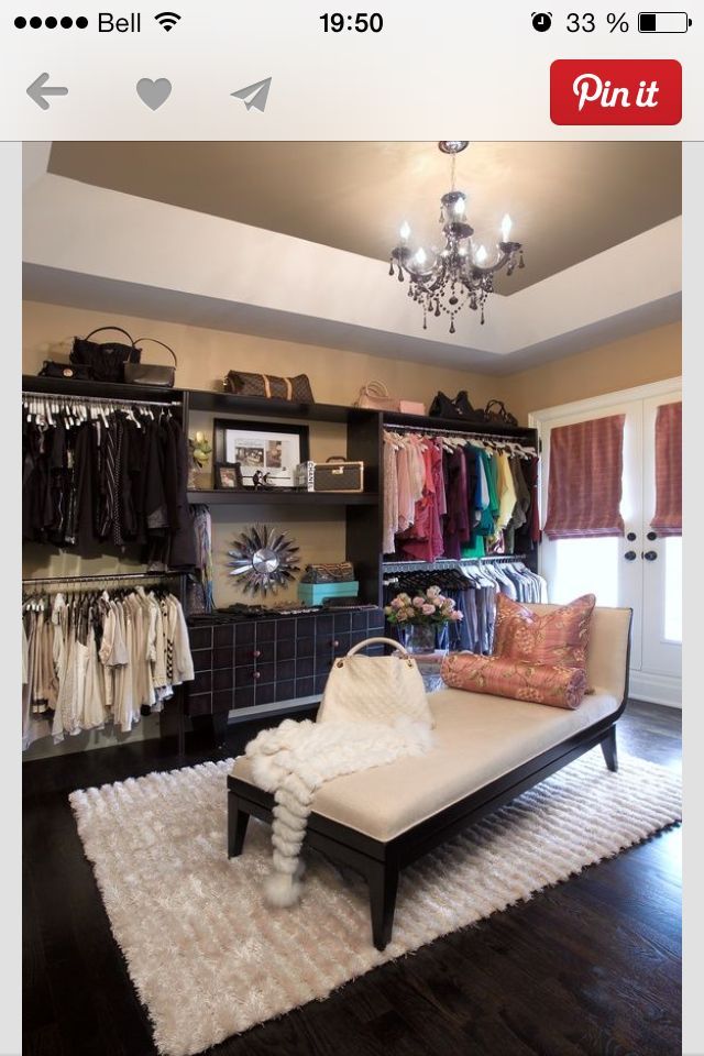 Turn small bedroom into Closet Dressing