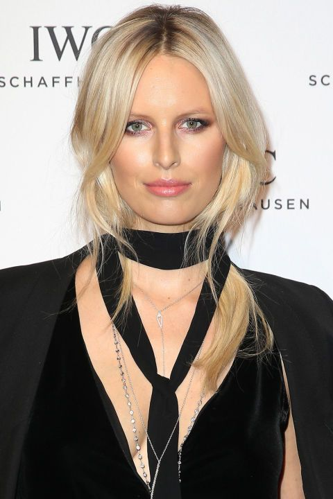 Who: Karolina Kurkova What: Pink Glow and a Pretty Pony How-To: The supermodel offset the Victorian gothic vibe of black velvet, rosaries and a choker—the latter effortlessly kept her hair under wraps all night—with sweet pinks on her eyes, cheeks and lips. The most flattering shade of rose shadow will have cool undertones; Kurkova gets it right by adding in silver shimmer. Editor's Pick: Stila Jewel Eye Shadow in Rose Quartz, $20, sephora.com.