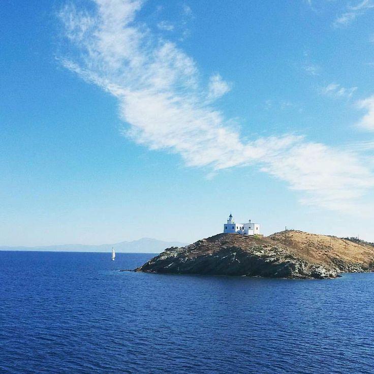 The famous lighthouse of Kea-Tzia island (Κέα-Τζιά)❤️.
