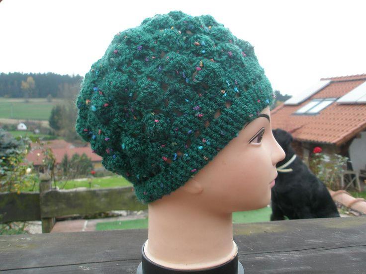 Háčkovaná čapka zelená, vlněná