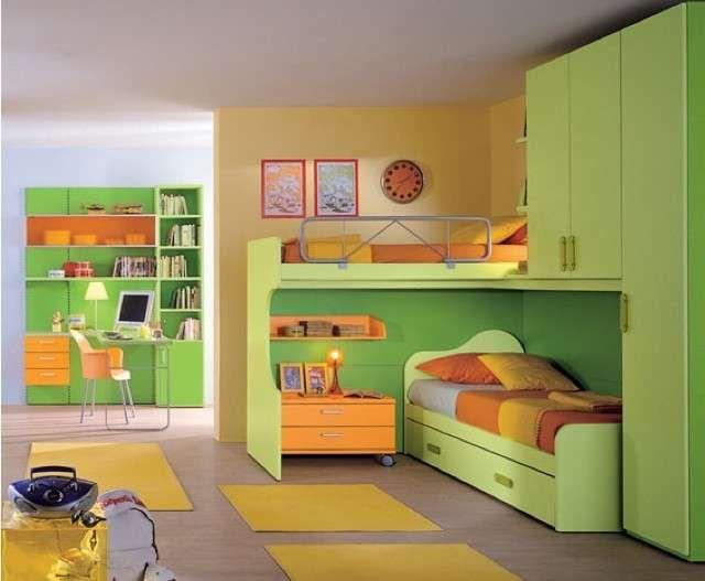 Abbinare i colori delle pareti ai mobili - Mobili verdi e arancio abbinati a pareti gialle