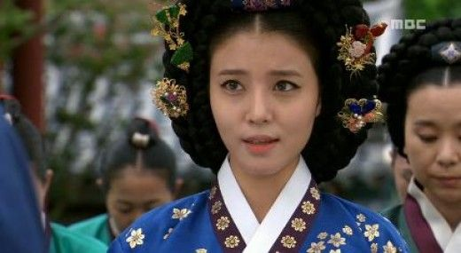 """Hur Jun, The Original Story(Hangul:구암 허준;RR:Guam Heo Jun) is a 2013 South Korean television series about the life ofHeo Jun, a commoner who rose up the ranks to become a royal physician inJoseon(he used thepen name""""Guam"""").It aired onMBC. Heo Jun was the author of the famed oriental medicine textbookDongui Bogam(lit. """"Mirror of Eastern Medicine""""), considered the defining text oftraditional Korean medicine."""