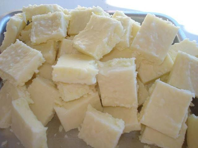 Docinho de leite em pó com coco