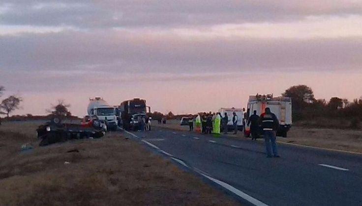 Un muerto y cuatro heridos tras un accidente sobre la ruta 9/34: Una camioneta Ford Ranger que se dirigía a Tucumán perdió el control y…