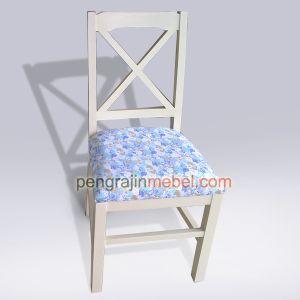 Jual kursi makan murah dengan model kursi minimalis. Model kursi minimalis terbaru yang menggunakan bahan berkualitas