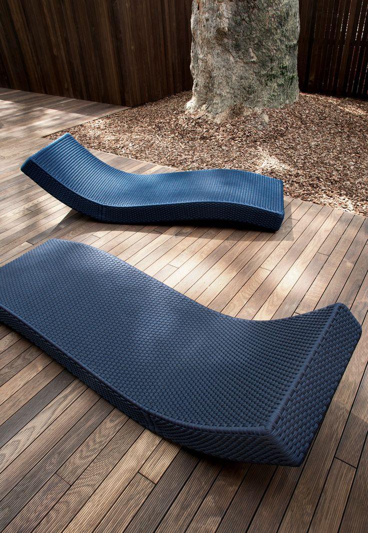 WAVE CHAISE LOUGUE Designed By Francesco Rota