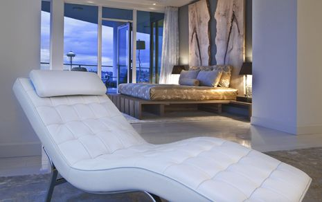 Escala...master bedroom with sitting area