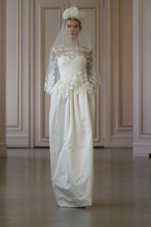 La première collection de robes de mariée printemps-été 2016 de Peter Copping en tant que directeur artistique de la maison Oscar de la Renta http://www.vogue.fr/mariage/tendances/diaporama/peter-copping-signe-sa-premire-collection-de-robes-de-marie-chez-oscar-de-la-renta/20165/carrousel#15