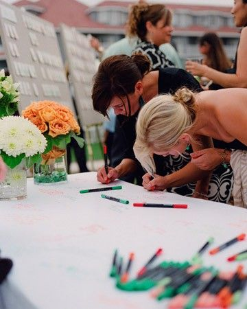 Love this idea for a wedding or for a family get-together with colored cloth for the holiday!