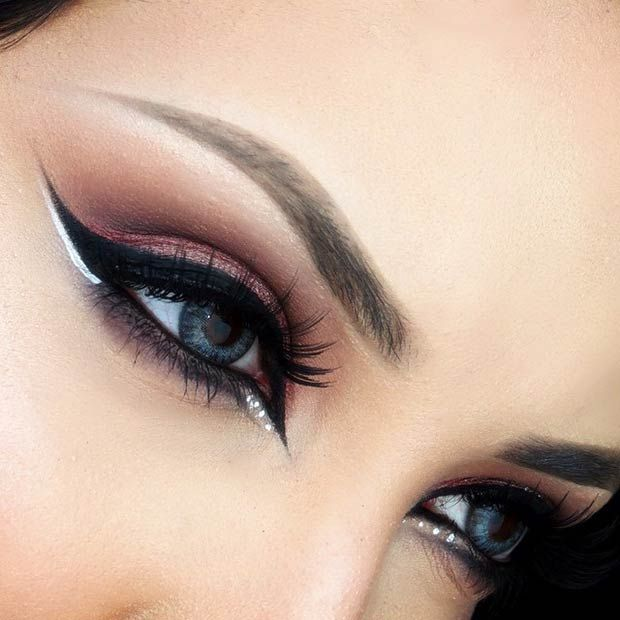 Black Winged Eyeliner with a Pop of White