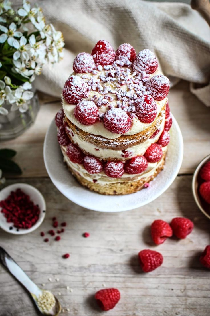 mini raspberry and sesame cake with tahini frosting