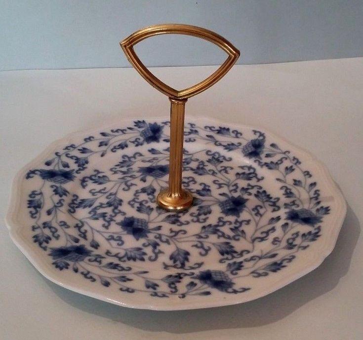 Joli petit plat à gateaux mignardises porcelaine Limoges France