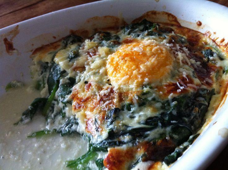 gepocheerde eieren met spinazie