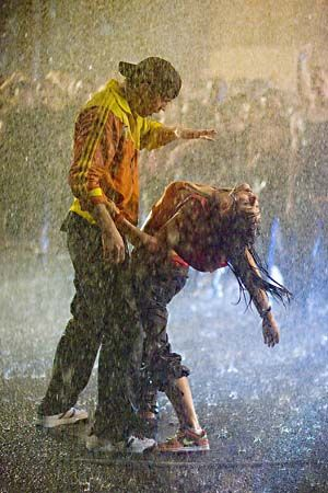 Step Up 2: The Streets. Why do al the best dance scenes occur in water? *sigh*