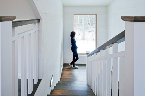 Good looking rail out of wood, for stairs... Love the ...