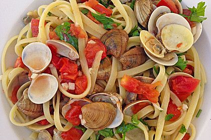 Spaghetti Vongole, ein raffiniertes Rezept aus der Kategorie Krustentier & Muscheln. Bewertungen: 47. Durchschnitt: Ø 4,5.