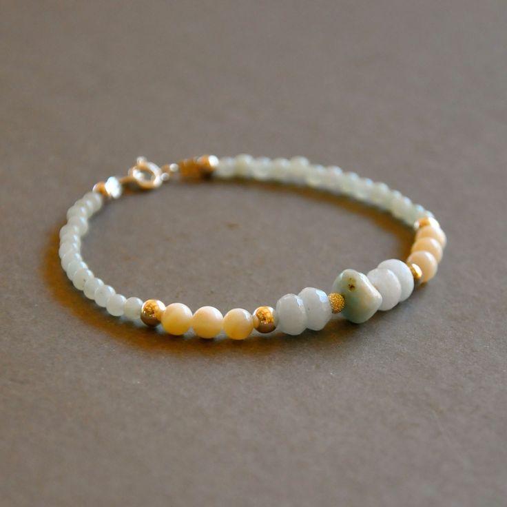 Bracelet fantaisie pierres nacres, amazonites et aigues marines avec fermoir argent : Bracelet par kanakeis