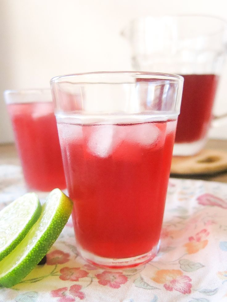 agua de jamaica - cha gelado de hibisco