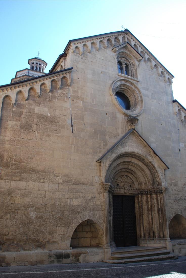 Gavi - Chiesa di San Giacomo Maggiore    Gavi- Church of St. James