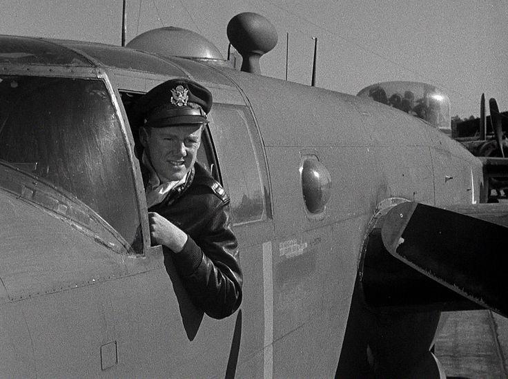 Thirty Seconds Over Tokyo (1944), Van Johnson | Old movies, Movie scenes,  War movies