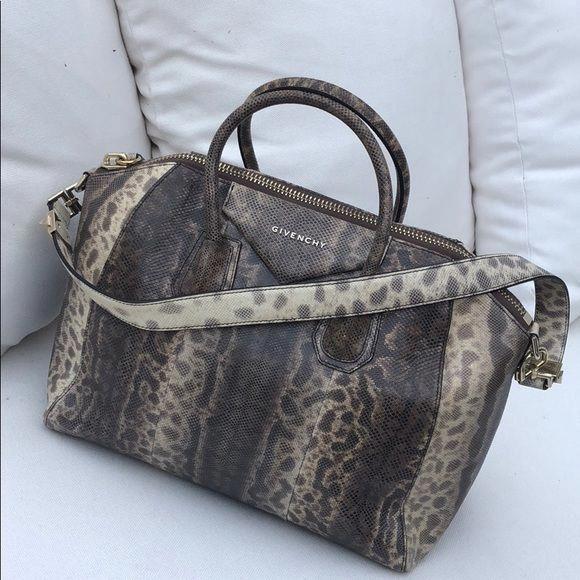 Givenchy Antigona hand bag. (Medium in snakeskin) Mint condition ... c5075c5606161