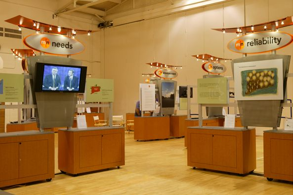 Eversource Energy Informational Kiosks Eversource serving more than 3.6 million customers initiated a program to build brand loyalty by reaching out to customers at a local level.  DisplayCraft's created a road show comprising customized, informational kiosk displays. The kiosks had a quality look and feel, while at the same time being extremely flexible.