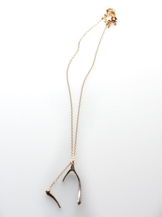 wishbone necklace... LOVE.