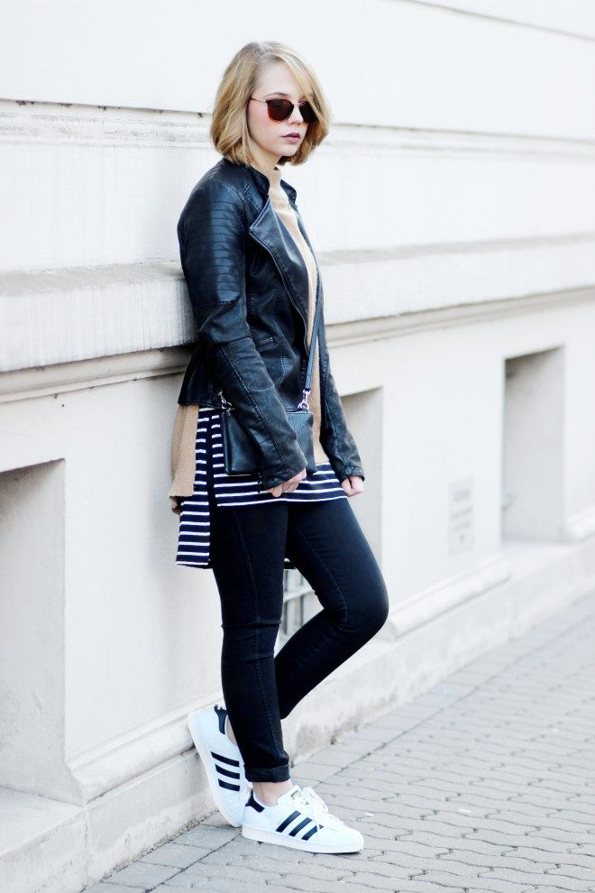 layering outfit, black leather jacket, adidas superstars, striped shirt, brown turtleneck, outfit, streetstyle, minimal, bezauberndenana