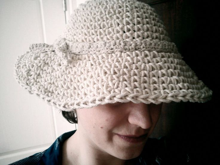Free Pattern Crochet Wide Brim Hat : 1000+ images about Hats for Chemo Patients on Pinterest ...