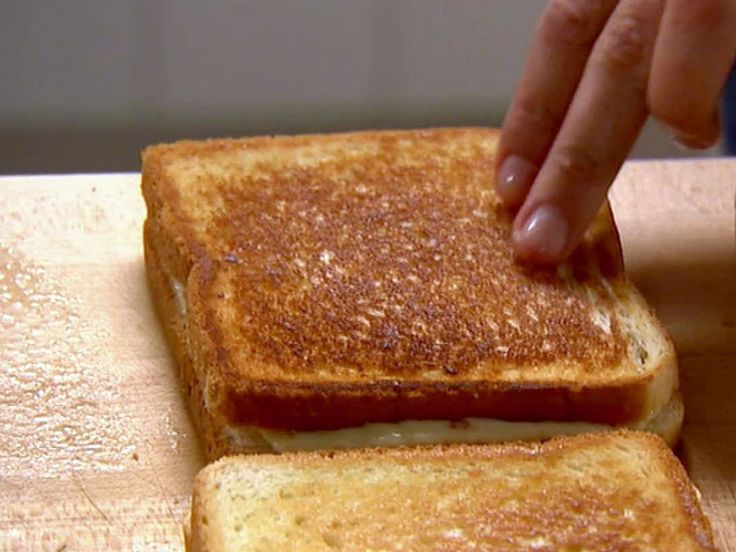 Mary's Grilled Cheese Sandwich with Spicy Buffalo Chicken, Pepper Jack and Blue Cheese recipe from Barefoot Contessa via Food Network