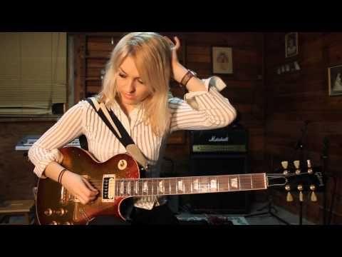 Blues Lick in Em Pentatonic Guitar Lesson - YouTube