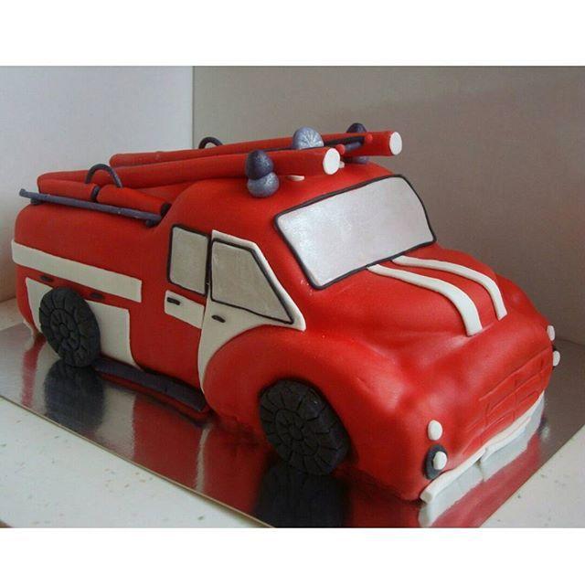 """Торт """"Пожарная машина"""" #торт_на_заказ_киев #день_рождения #шоколадный_торт"""