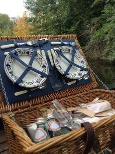 Uitgebreide picknickmanden, compleet verzorgde catering en de leukste…