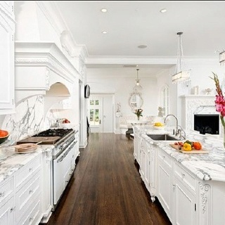 Clean: Kitchens Design, Dreams Kitchens, Traditional Kitchens, Design Llc, Bradford Design, Kitchens Ideas, Marbles Countertops, Dreams Dreams, White Kitchens