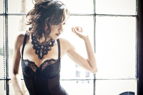 Lingerie By Beneath The Gown | Photography By Jag Studios | Makeup By DD Nickel