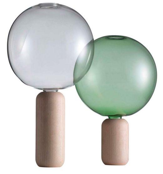 Crystal Ball Vase, ručně foukané borosilikátové sklo/bělený jasan, výška 28 a 33 cm, design Matteo Zorzenoni, vyrábí Cappellini, cena 7 970 Kč, www.markanto.de