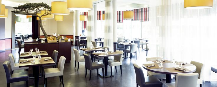 Restaurant de l'hôtel Novotel #ClermontFerrand http://www.hotel-novotel-clermontferrand.com/fr/restauration/restaurant.html