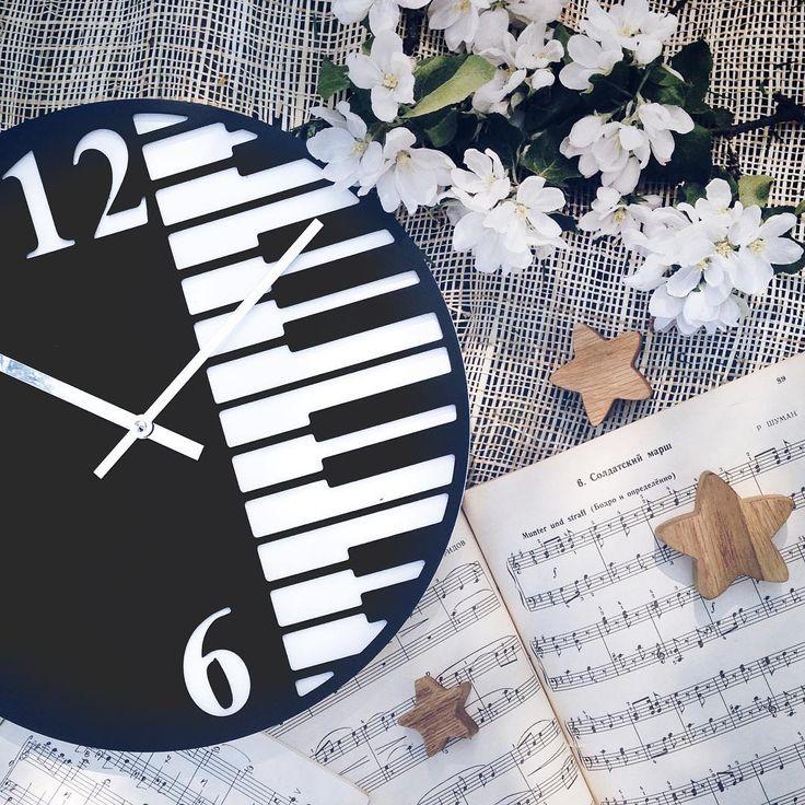 233 отметок «Нравится», 6 комментариев — ЯЩИКИ ИГРУШЕК АЗБУКА КЛЮЧНИЦЫ (@casa_nostra_decor) в Instagram: «Невероятные , стильные , красивые , индивидуальные , объёмные #casanostra_часы ! Уникальный…»