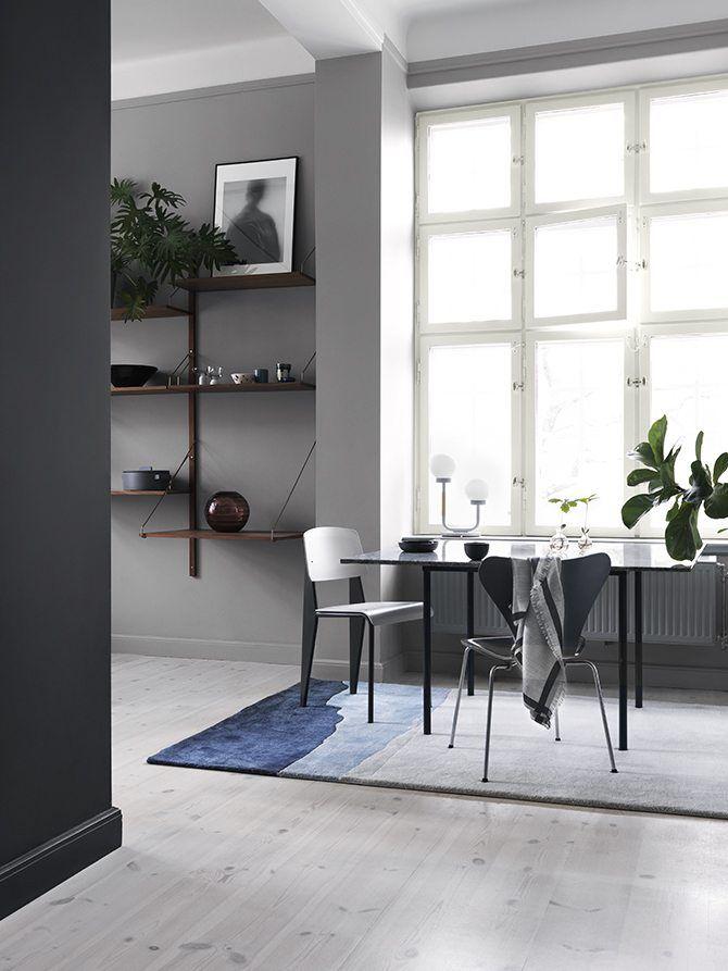 Alcro_ad_grey_11 - Kalla grå kulörer passar bra i rum med ett generöst ljusinsläpp. Här samsas November med med Black Deco.