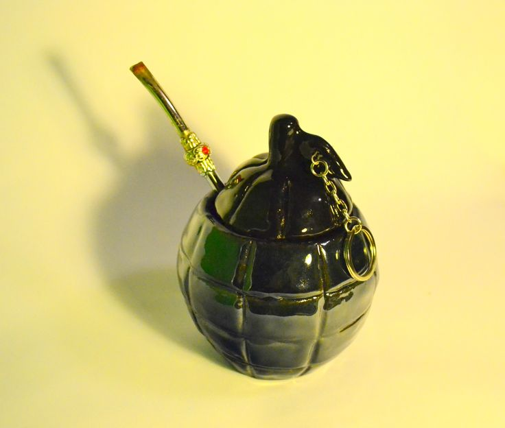Ceramiczne matero w kształcie granatu. Ceramic matero.