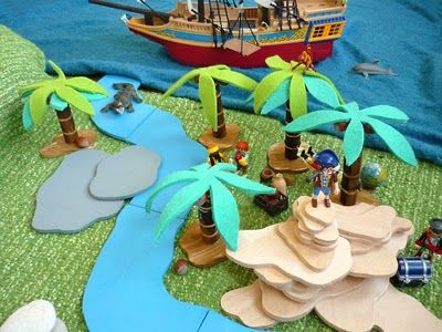 Super cool pirate island, made with scraps! look here for zoo and how wood pieces can fit together but still be assembled differently http://domesticcandy.blogspot.com/2009/04/fur-emil.html