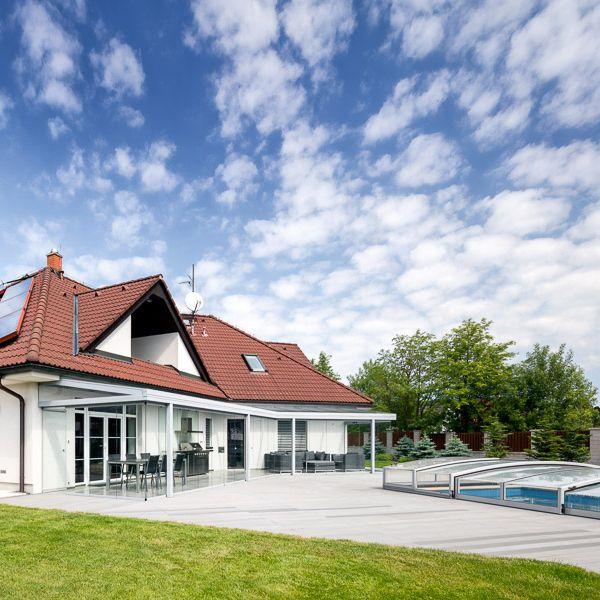 Zastřešená zimní zahrada je ideálním spojením domu se zahradou!   #(domov, bazén, zahrada, terasa, zastřešení, léto, summer, pergola, bydleni, living, architektura, stavba, house, garden, Profiltechnik)