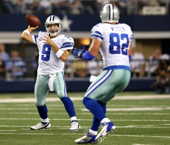 Tony Romo Photos Photos - Quarterback Tony Romo #9 of the Dallas Cowboys looks to pass the ball to Jason Witten #82 in the first quarter against the Chicago Bears at Cowboys Stadium on October 1, 2012 in Arlington, Texas. - Chicago Bears v Dallas Cowboys