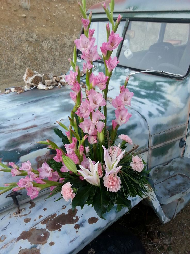 17 best images about gladiolus on pinterest gladiolus wedding tall centerpiece and tall. Black Bedroom Furniture Sets. Home Design Ideas