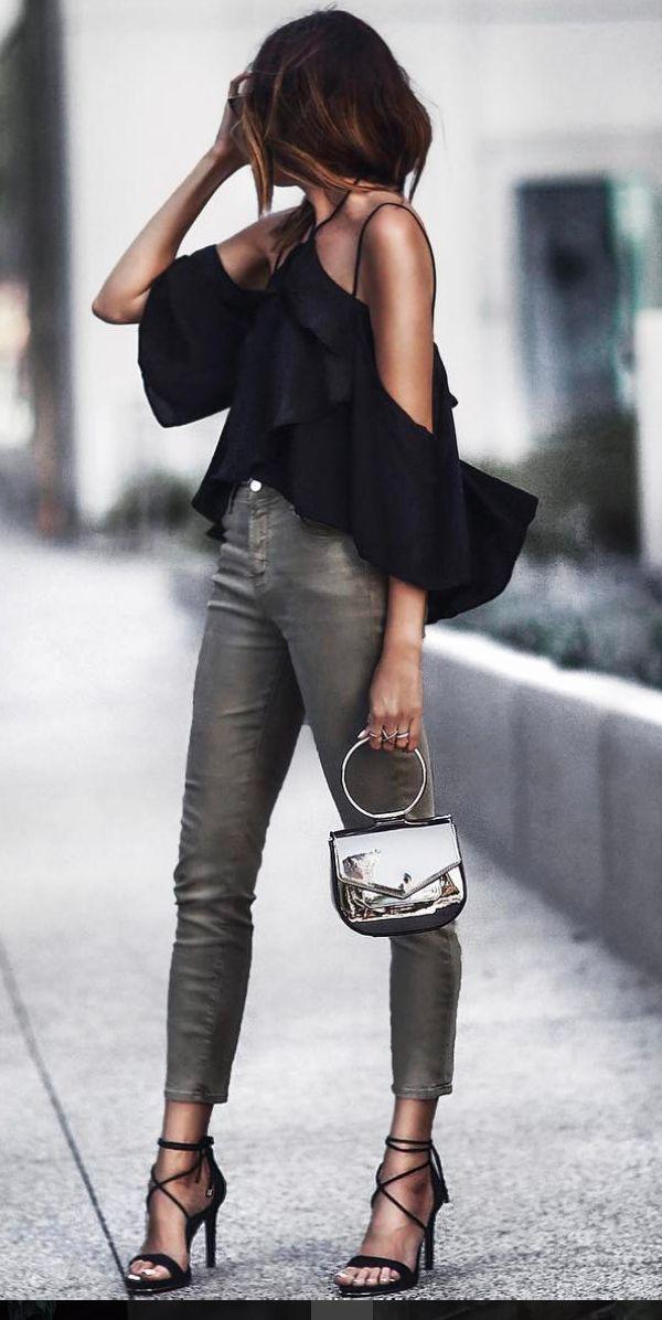 #black #blousa + #jeans